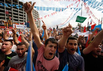 Thousands of Turks protested in an Istanbul square Sunday to denounce ethnic violence in China's Xinjiang province that has killed 184 people and call on their government to intervene to protect Muslim Uighurs there.