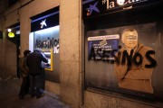 Graffitti on bank wall in Madrid on November 9. (Diagonal/Olmo Calvo)