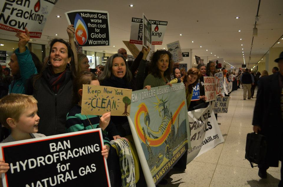 More than 1,500 people rallied in Albany, NY on Wednesday to oppose fracking. (New Yorkers Against Fracking / David Braun)