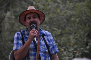 Community leader Tono Reyes addresses Communities in Resistance. (GHRC)