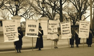 Centennial reenactment of women's suffrage protest at the White House. (WNV/Nadine Bloch)