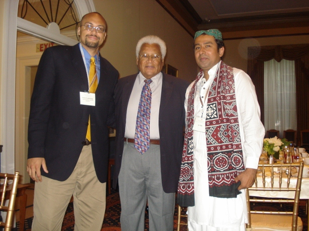 Daryn Cambridge (left) with Rev. James Lawson (middle) at FSI in 2009. (WNV/Daryn Cambridge)
