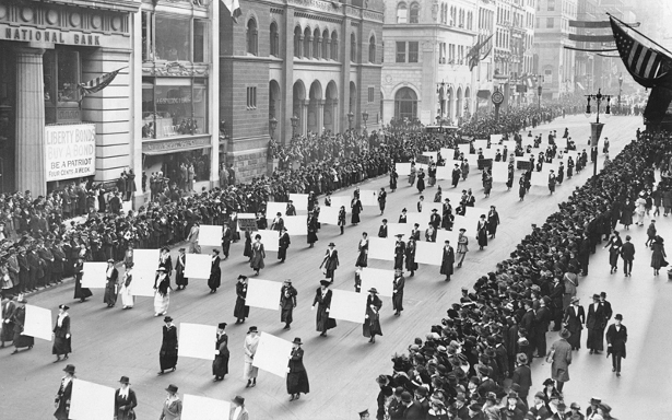 Suffragists march in New York City in 1917. (Wikimedia Commons/The New York Times)