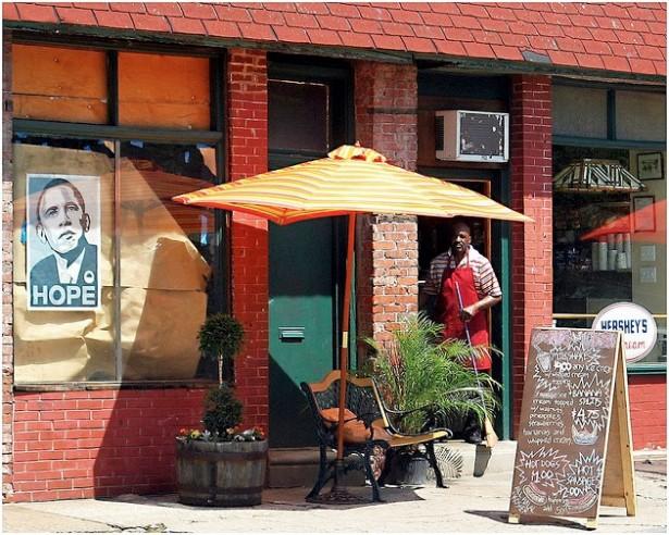 Outside a shop in North Philadelphia in 2009. (Flickr/Tony Fischer)