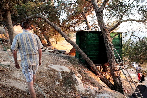 A treehouse in Hosh Jasmin. (WNV/Andrew Beale)