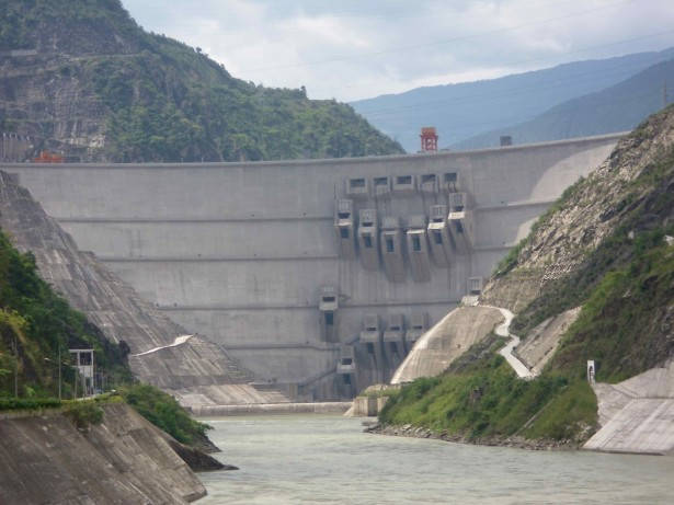Xiaowan dam is the third largest hydroelectric plant in China and the reservoir behind it displaced 32,700 people. (WNV / Sam Koplinka­Loehr)