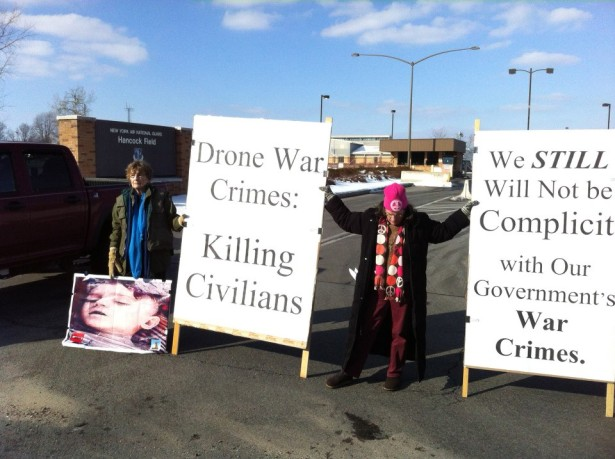 Protesters outside Hancock Airfield in Syracuse, NY (Pax Christi USA / Fr. Bill Pickard)