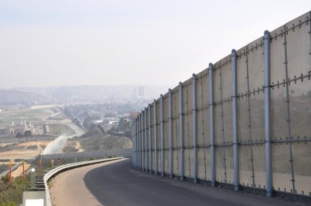 border fence WNV