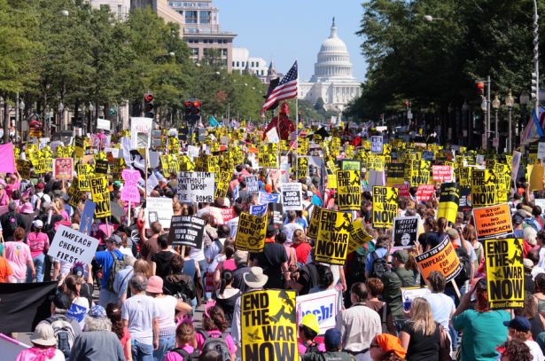 ANSWER Coalition marches on Washington D.C. to oppose U.S. militarism in Iraq (Ragesoss/Wikipedia)