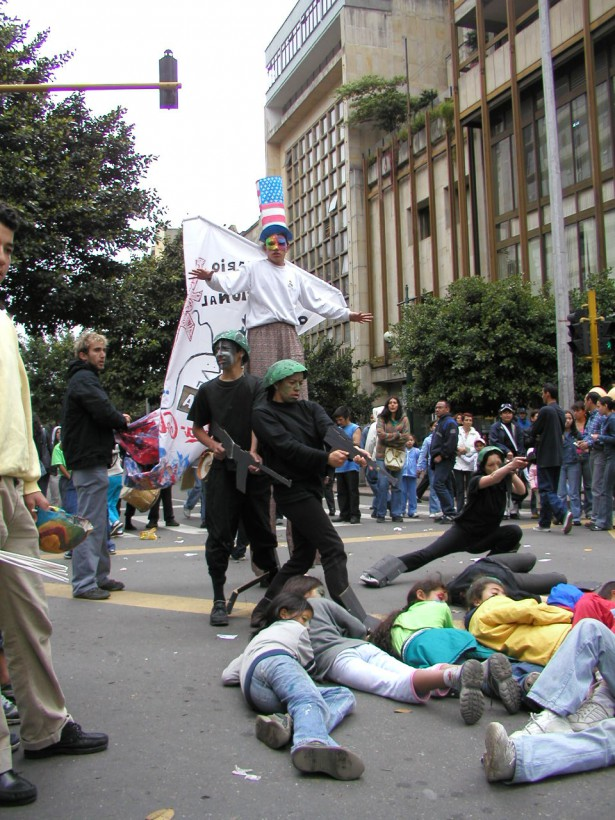 A demonstration against militarism and conscription and for nonviolence in Bogota, Colombia. (WNV/Collective Action of Conscience Objectors)