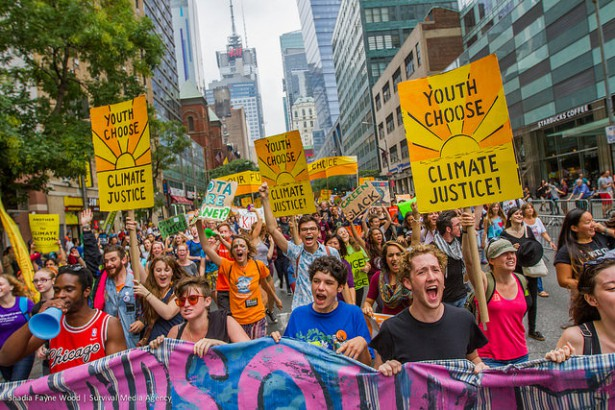 The People's Climate March student bloc. (Flickr / Shadia Fayne Wood)