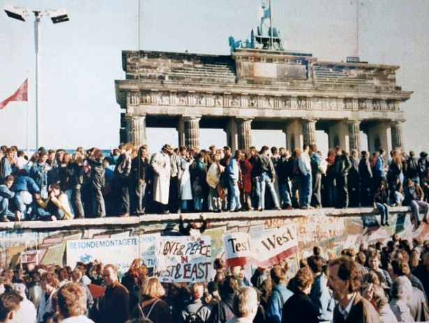 The fall of the Berlin Wall in 1989. (Wikimedia Commons)