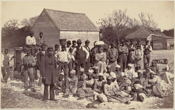 The slaves of General Thomas F. Drayton in 1862. (WIkipedia)