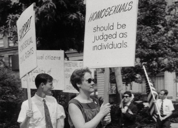 Barbara Gittings picket at Independence Hall on July 4, 1965. (LGBT50.org / Kay Tobin Lahusen)
