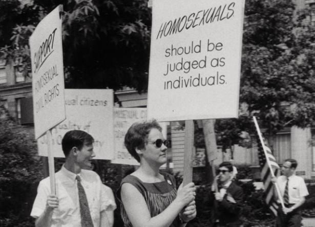 Barbara Gittings picket at Independence Hall on July 4, 1965. (LGBT50.org / Kay Tobin Lahusen)