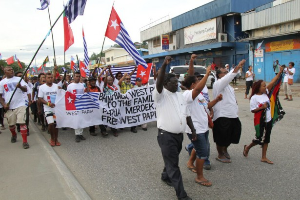 Leaders from the Church of Melanesia, and Lilly Chekana and Grace Hilly from the Solomon Islands Solidarity for West Papua, lead a march in Honiara in support of West Papua becoming a member of the Melanesian Spearhead Group on June 19. (WNV/ Pasifika collection)
