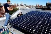 PowerUp NY in stalled solar panels in Brooklyn on October 10, 2010, as part of 350.org's Global Work Party. (Flickr / 350)