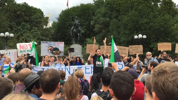 The first major rally in support of Syrian refugees on September 12. (WNV/Sarah Aziza)