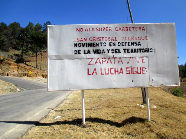 A sign along the road leading to Candelaria informs passers-by of opposition to the planned super-highway. (WNV/Sandra Cuffe