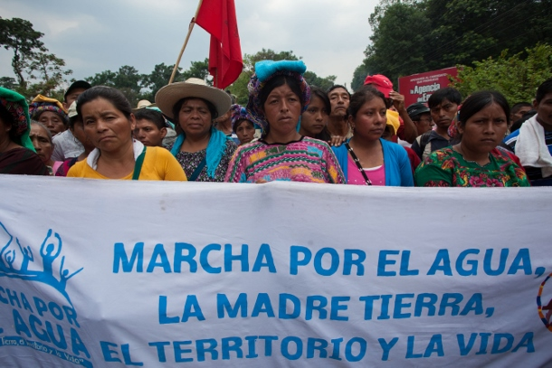 Marchers from across Guatemala braved the heat and rain as they marched to Guatemala City. (WNV/Jeff Abbott)