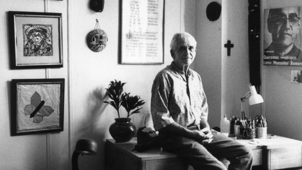 Rev. Daniel Berrigan at his apartment in 1995. (Getty/Chris Felver)