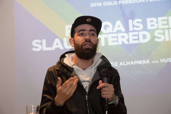 Abdalaziz Alhamza speaking at the Oslo Freedom Forum in May 2016 (Twitter/Jim Fruchterman)