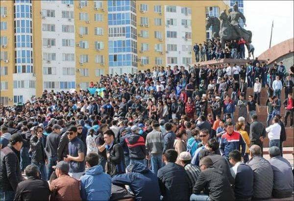 A rally in Atyrau on May 21. (WNV/Andrey Grishin)