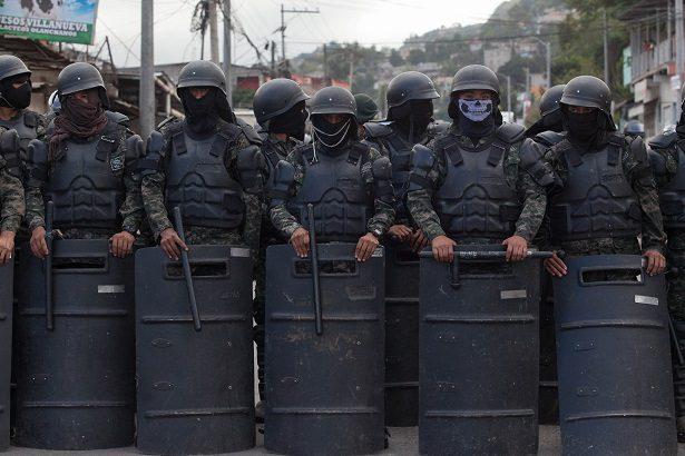 Honduran military prepare to confront protesters
