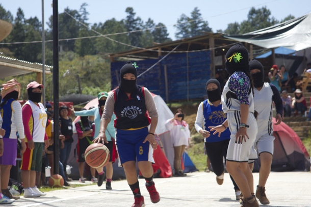 "Zapatista women playing basketball during their first ""encounter"" for women. (Photo: WNV/Shirin Hess)"